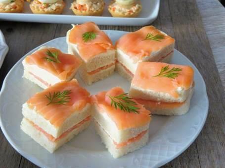 Sándwich de salmón con eneldo