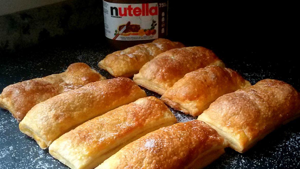 Cañas de hojaldre con Nutella