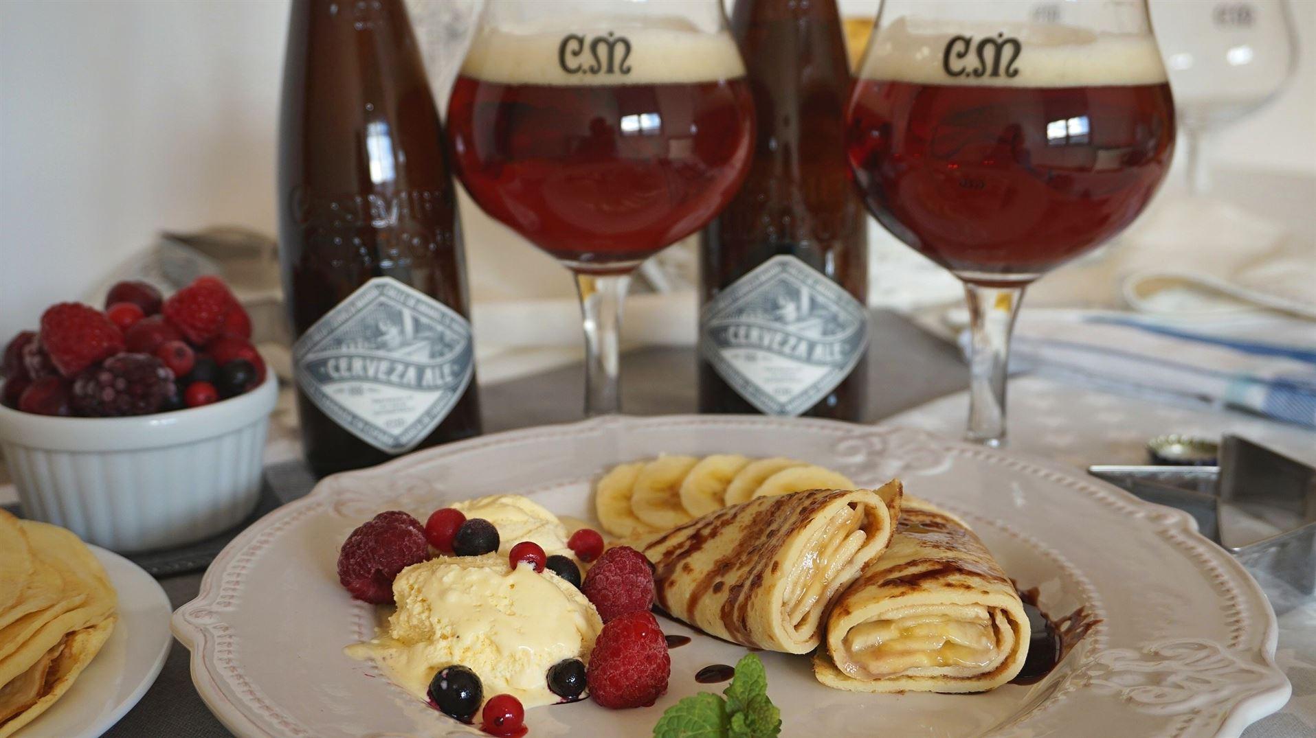 Crepes de plátano con chocolate maridados con Casimiro Mahou Cerveza Ale