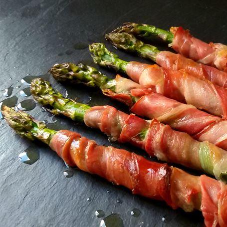 Esp rragos al horno con jam n anna recetas f ciles for Cocinar esparragos