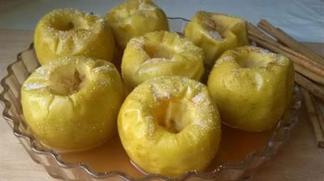 Manzanas asadas con canela al mcroondas