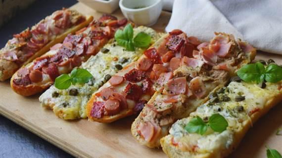Paninis caseros pizza r pida de pan anna recetas f ciles - Que hago de comer rapido y sencillo ...