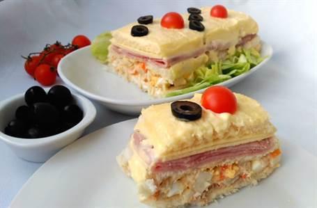 Pastel salado de atún y cangrejo