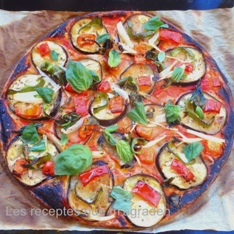 Pizza vegetal con hojaldre