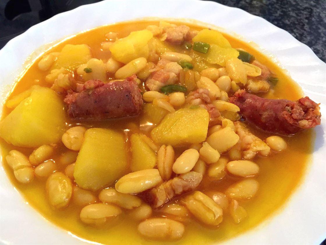 Potaje de alubias y patatas con chorizo anna recetas f ciles for Cocinar garbanzos con chorizo