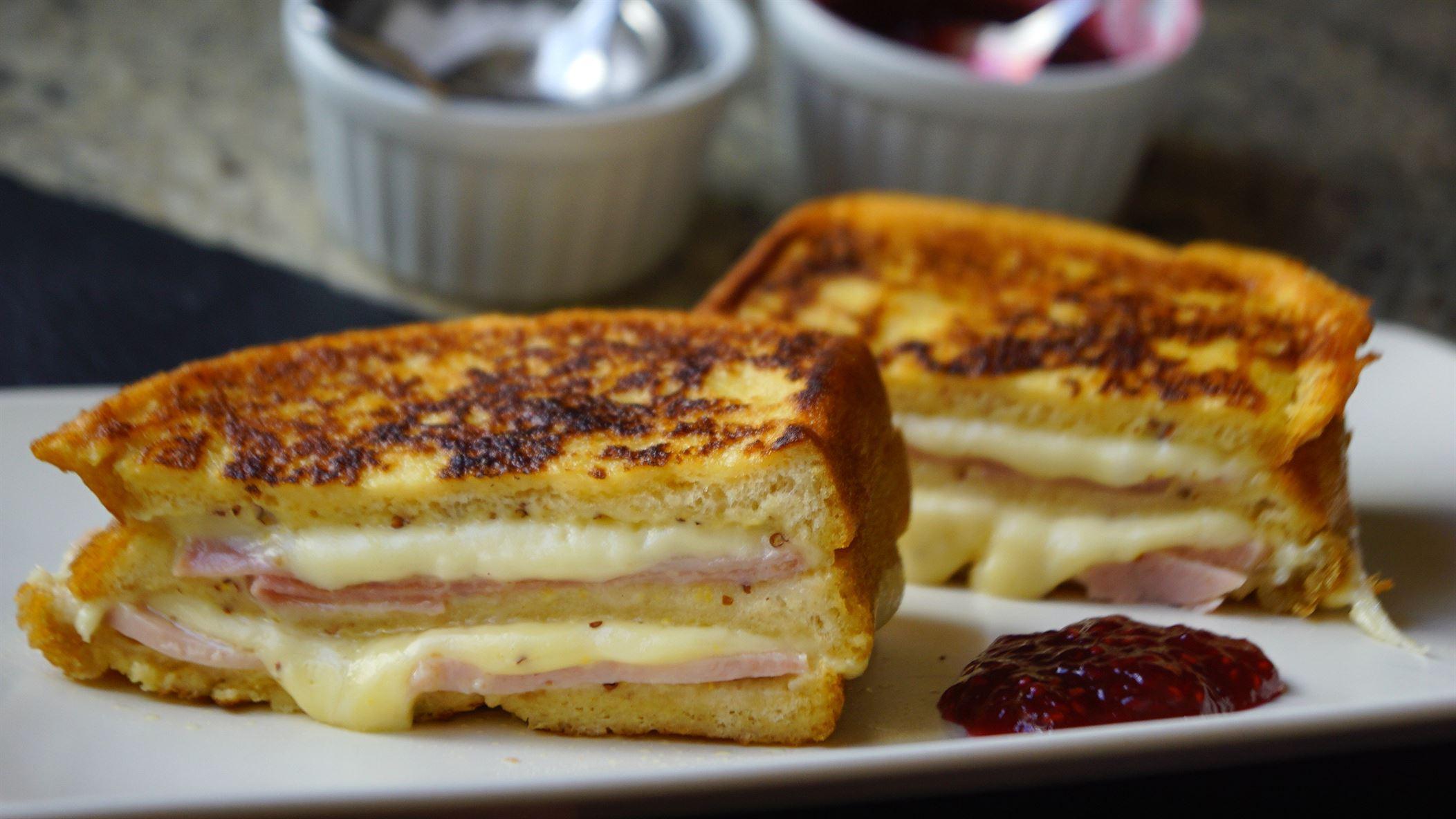 Sándwich Montecristo súper jugoso (fácil y rápido)